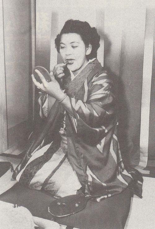 战后1个日本女人与32个男人的孤岛生活